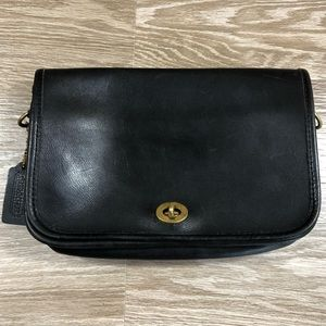 Coach vintage black small leather purse distressed